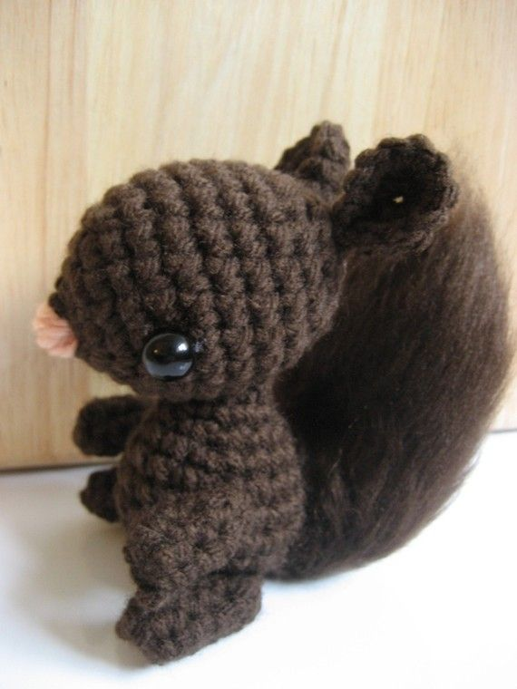Amigurumi Squirrel Crochet Pattern : Amigurumi Crochet Squirrel Pattern