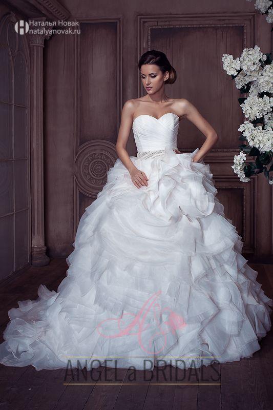 крутая фотосессия свадебных платьев