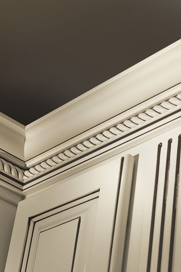 Classic Crown with Rope Insert Moulding @homecrestcabinetry