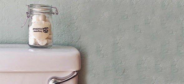Σπιτικό κόλπο για κάτασπρη λεκάνη τουαλέτας | Φτιάξτο μόνος σου - Κατασκευές DIY - Do it yourself
