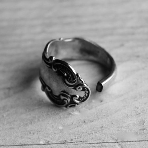 Handmade Cutlery Jewellery - Solid Silver Butter Knife Handle Ring #cutleryjewellery #silverjewellery #bristoluk #ethicaljewellery #handmadejewellery #recycled #solidsilver