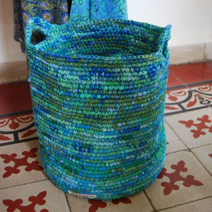 25 Ideas of How to Recycle Plastic Bags on America Recycles Day | Architecture, Art, Desings - Daily source for inspiration and fresh ideas on Architecture, Art and Design