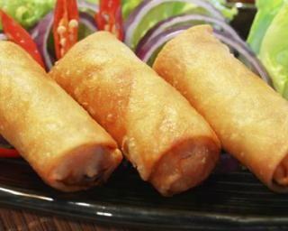 Nems chinois cuits au four : http://www.fourchette-et-bikini.fr/recettes/recettes-minceur/nems-chinois-cuits-au-four.html