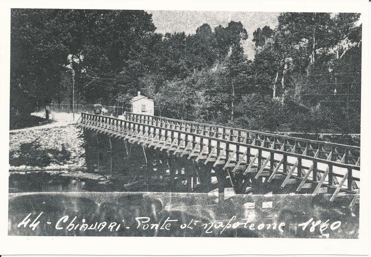 """Chiavari: il ponte in legno chiamato """"di Napoleone"""" (o """"napoleonico""""), fatto costruire da Napoleone nel 1810 nei pressi della foce del fiume Entella e distrutto da una piena nel 1920. (Photo: Migone, 1860)"""