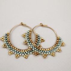 Créoles en gold filled 14k brodées de perles miyuki