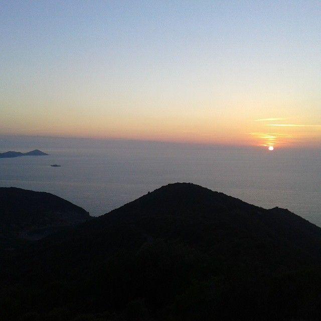 Tramonto visto dalla zona della Paradisa, strada per Nisporto e Nisportino (Comune di Rio nell'Elba)