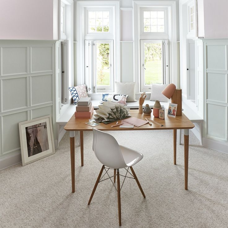 carpet dining table and chairs with a large closet and the carpet was gorgeous for - Carpeted Dining Room