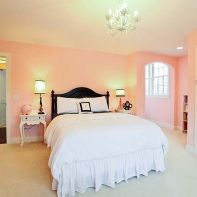 12 best images about peach walls on pinterest queen anne for Peach bedroom decor