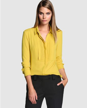 Blusa amarilla con jaretas