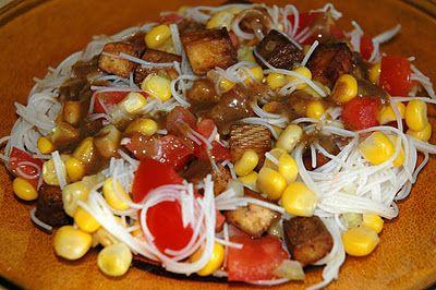 Vegan Monkey: Sałatka z makaronem ryżowym