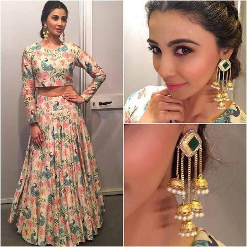 Daisy Shah @shahdaisy Outfit - @payalsinghal Earrings -...