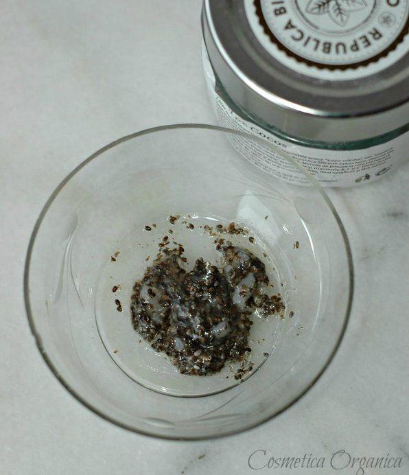 Masca exfolianta si hidratanta cu seminte de chia