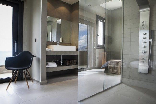 Modern, stylish and minimal bathroom
