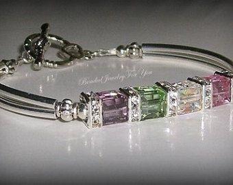 Mother's Bracelet: Birthstone Bracelet Mom by beadedjewelryforyou