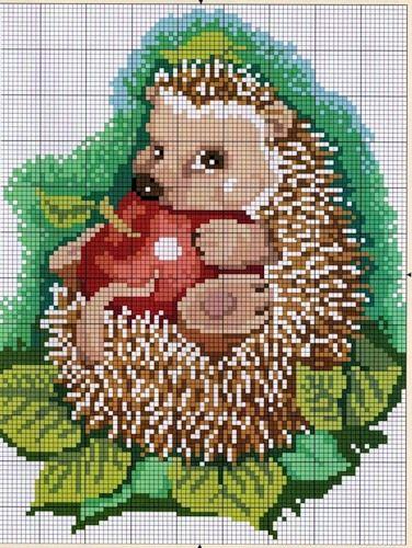 Ёжик с яблоком 1 из 2