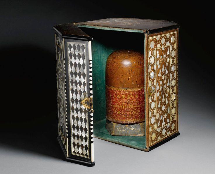 An Ottoman Wooden Turban Stand and Case(sarık kabı)
