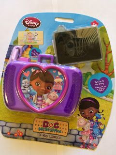 Preparing a preschooler for an x-ray? Call on Doc McStuffins! Connecting with Compassion: Confessions of two Child Life Specialists: Toy Tuesday: Time for your x-ray