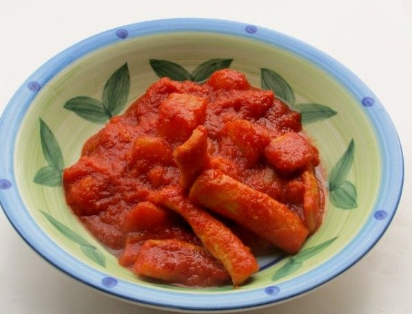 totani e patate  http://www.blogfamily.it/15894_totani-e-patate-al-sugo-di-pomodoro/