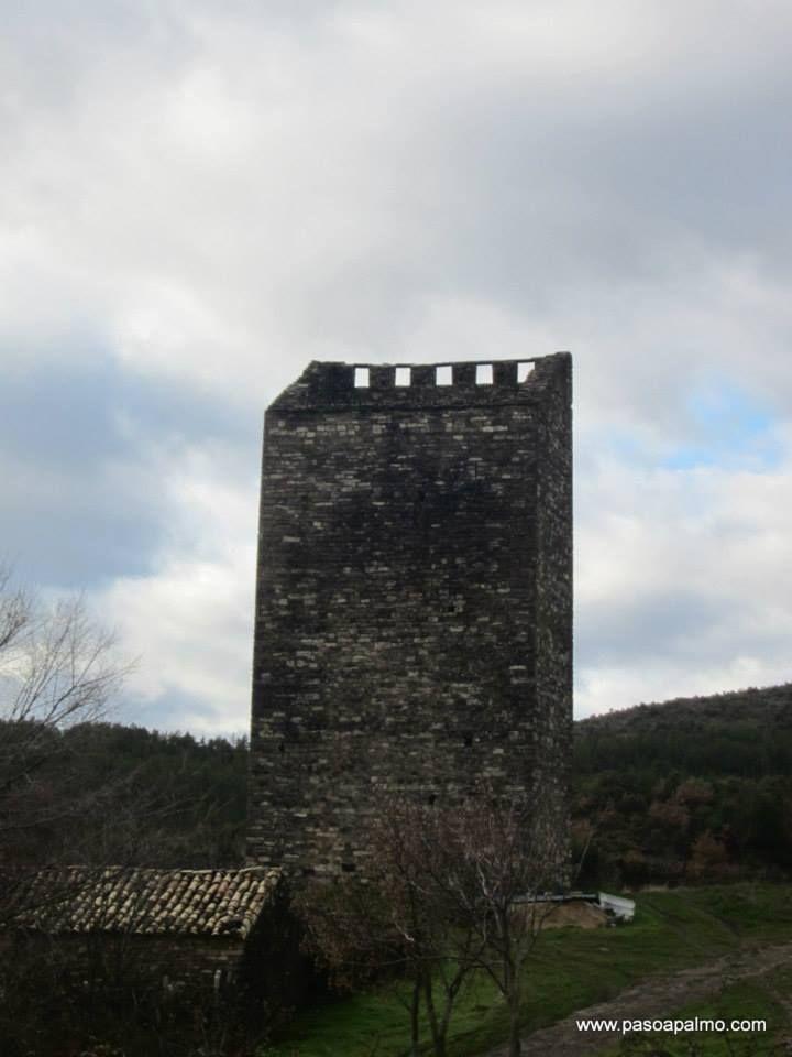Torre de Majones. http://www.pasoapalmo.com/jacetania/canal-de-berdun/majones/torre-de-majones