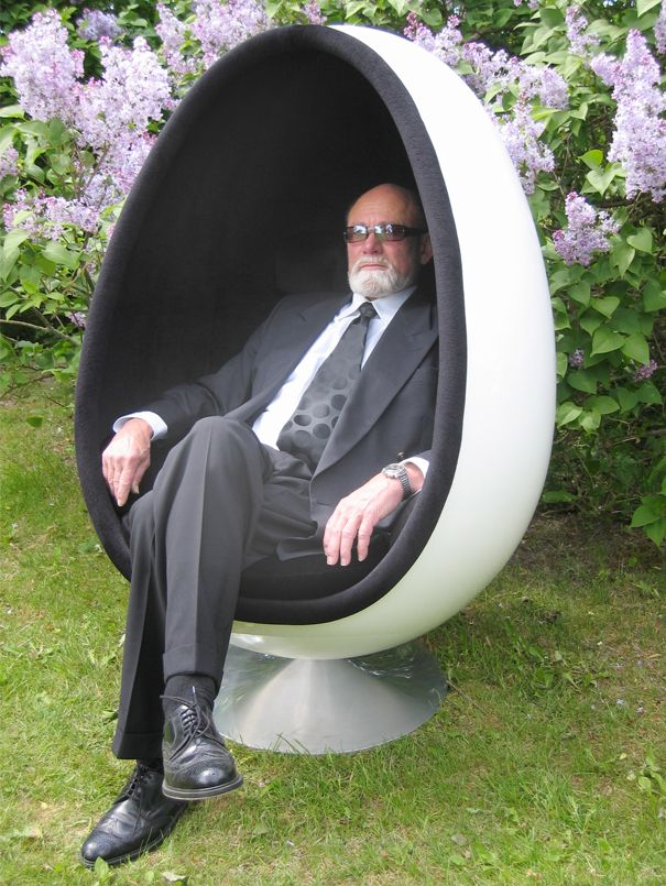 Prom dress 70s egg shaped chair