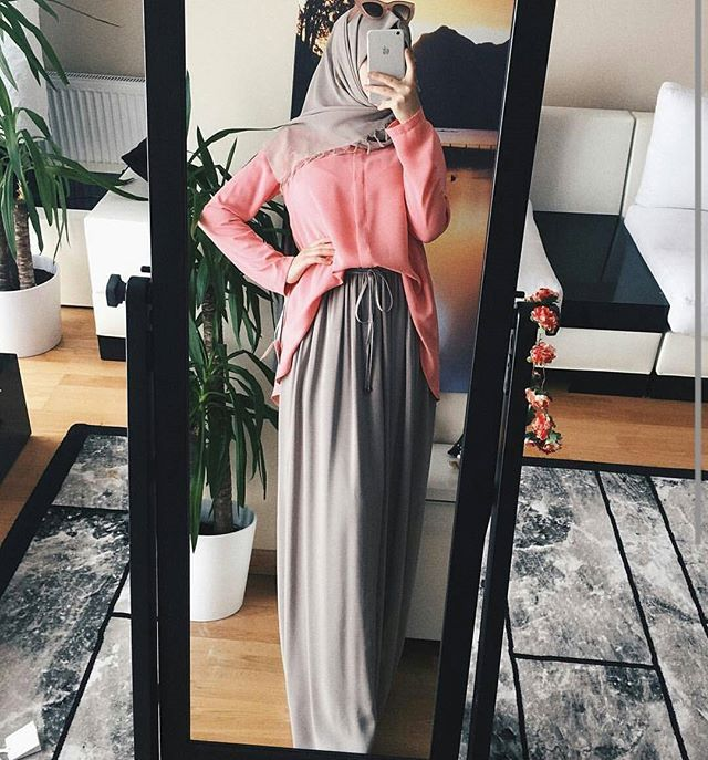 #lovely#hijaboutfit#chic#cute#gorgeous#cute#skirt#hijabfashion#instalove#OOTD#muslimah#lifestyle#instalike#chichijab#blogger#fashionista#hijab#style#flawless#stunning#selfie#mirror#instafollow#hijabness19#beauty#forever@hijabness19 by @fatimabrungillda