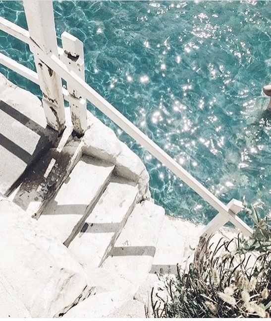 Steps into heaven // #whitestonesteps #turquoisewater #perfection