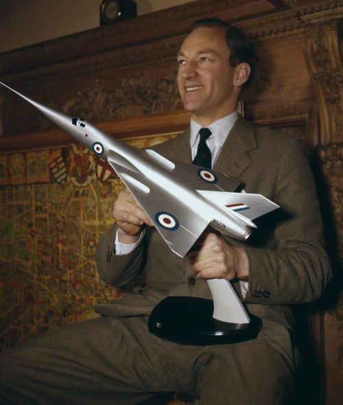 Peter Twiss pictured with the model of the Fairey Delta 2 'Droop Snoot', circa 1956. Twiss piloted the plane which was the first to exceed 1,000 miles per hour in March 1956.
