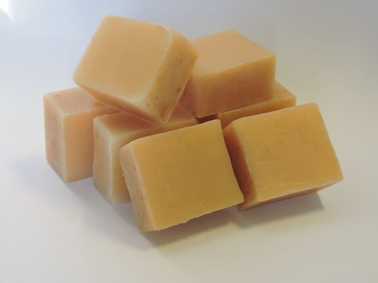 Los jabones de leche son un básico en todos los recetarios de elaboración de jabón, y es que son tan suaves y cremosos que se convierten en indispensables en cualquier tienda de jabones. Pero ¿sabe…