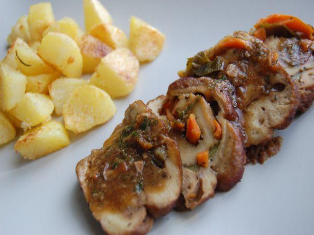 Arrosto di seitan ripieno con patate al forno