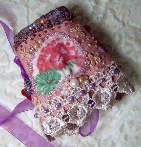 POLSINO-ricamato-a-mano-PIZZO-ROSA-perle-Bohemian-BRACELET-CORSETTO-gipsy-fiori