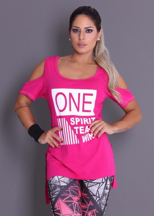 Camiseta One Spirit com Ombro de Fora - Donna Carioca - Moda fitness com  preço de 8b91b09f251