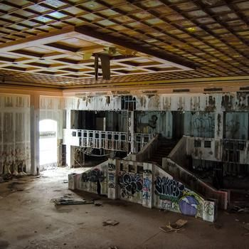 Inside Grossinger S Crumbling Catskill Resort Hotel Ny A