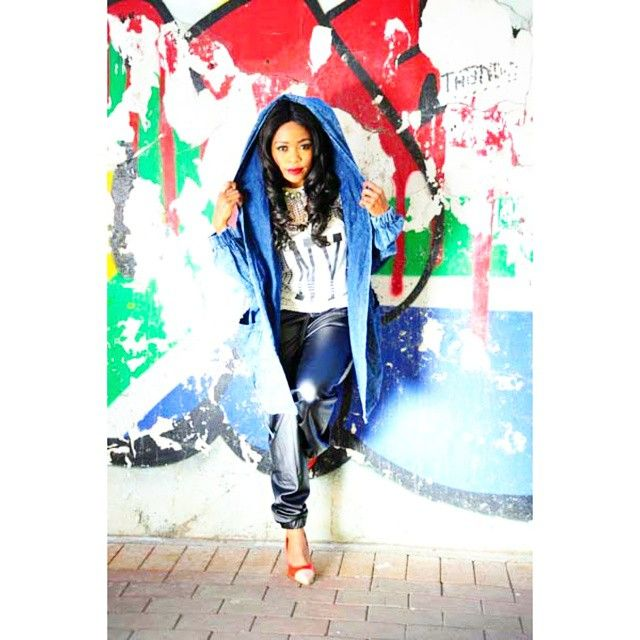 #inthisweekspeoplemag: @thembiseete serves #streetchic #style #swag with a #modern #taytaytwist. #grrr