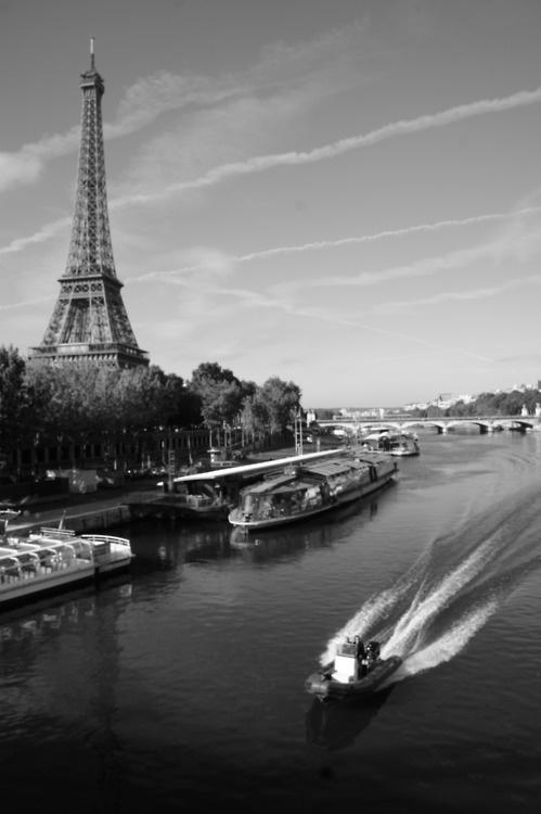 Paris in black and white? Mais oui.