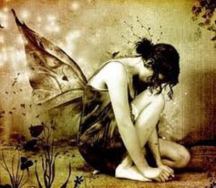 ...Y las aguas se filtran en la tierra,   así como mis ojos en los ojos   que estoy sonañdo embelesada...    - Alfonsina Storni