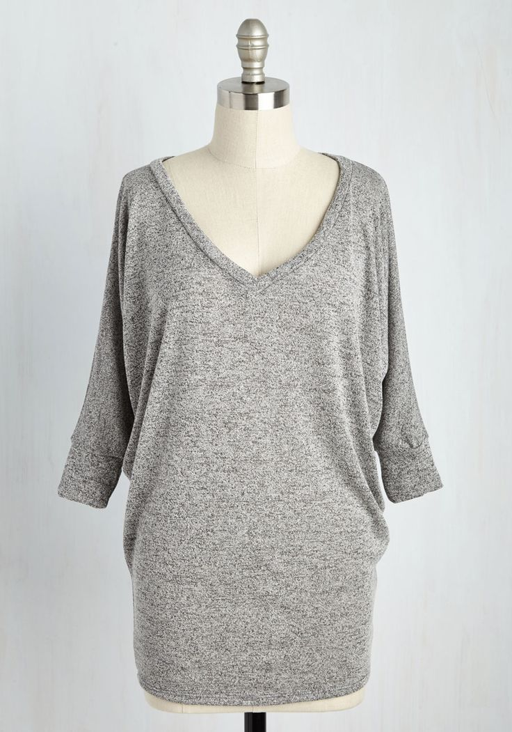 Cozy Cabin Weekend Tunic. Snuggle up on the couch in front of the cabins picture window with a mug of tea and this heather-grey top! #grey #modcloth