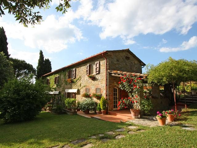 tuscan farmhouse luxury four bedroom and four bathroom italian house villa available - Italian Home Design