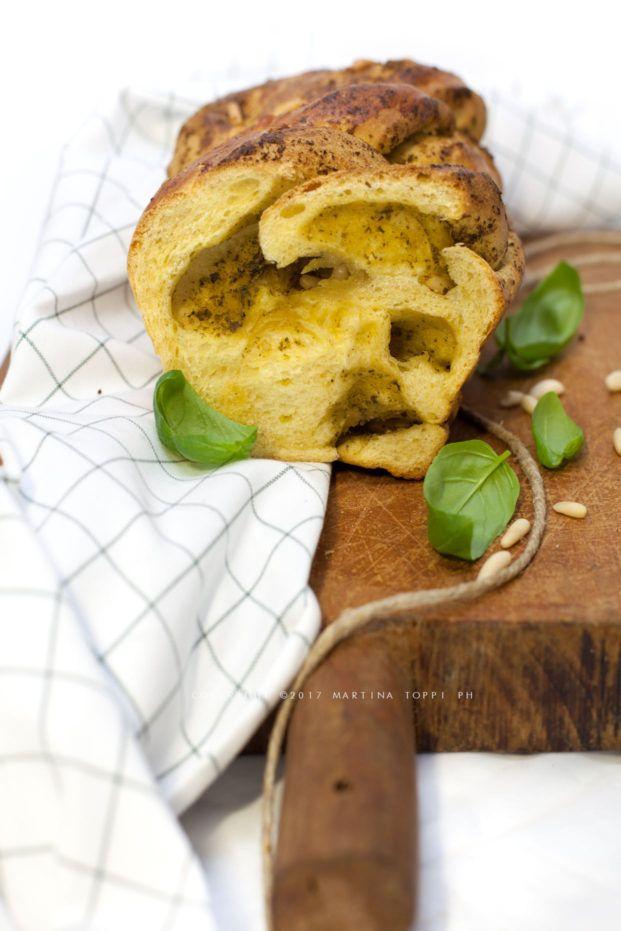 pan brioche salato al pesto con lievito madre