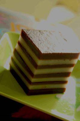 KITCHEN CORNER: Kue Lapis Tepung Beras