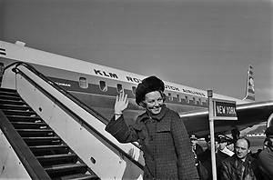 ANP Historisch Archief Community - Schiphol-prinses Beatrix-vertrek-curacao