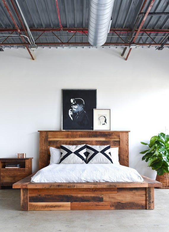 Reclaimed Wood Platform Bed | Wood platform bed, Diy ...