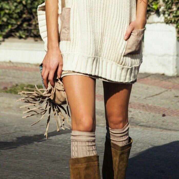 Botas, chaleco y calcetines largos