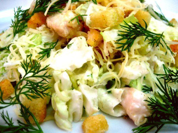 Рецепт салата цезарь с креветками из ресторана bells
