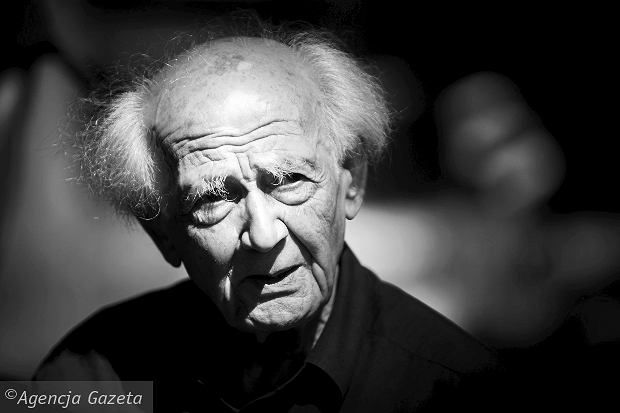 Profesor Zygmunt Bauman: Młody człowiek uzależniony od Facebooka twierdzi, że w ciągu jednego dnia zdobywa 500 przyjaciół. To więcej, niż mi się udało przez 85 lat życia