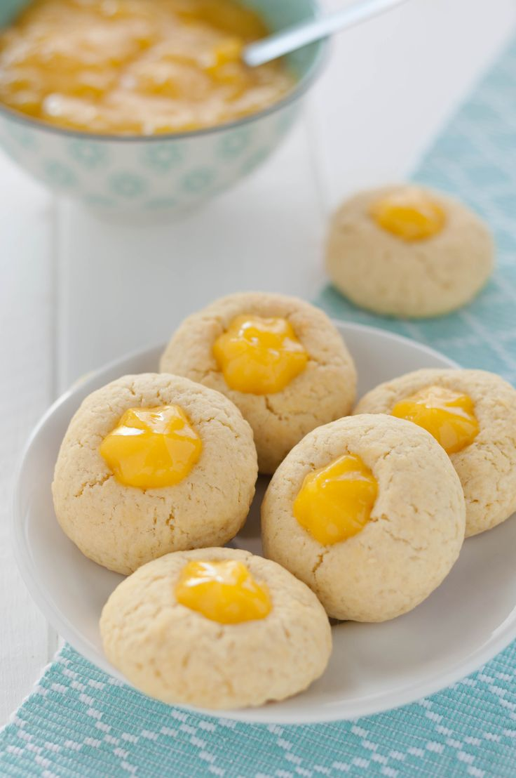 Biscotti morbidi con crema al limone