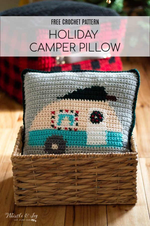 Free Crochet Pattern – Christmas Crochet Camper Pillow | This darling pillow fea…