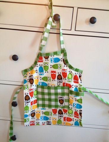 Miss Springs pyssel och knåp: Barnförkläde