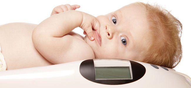 Tabla de pesos y estatura para los bebés, niños y niñas