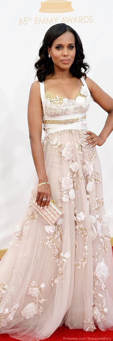 Kerry Washington | Emmys 2014♥✤ |I've never seen a Marchesa gown I didn't love..and this is no exception !! PERFECTION!