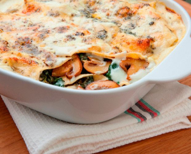 Chestnut Mushroom, Spinach & Blue Cheese Lasagne by Sarah Beeny for The Mushroom Bureau